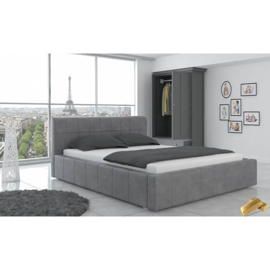 łóżko Do Sypialni Klasyczne Z Pięknymi Pikowaniami Oraz Przeszyciami